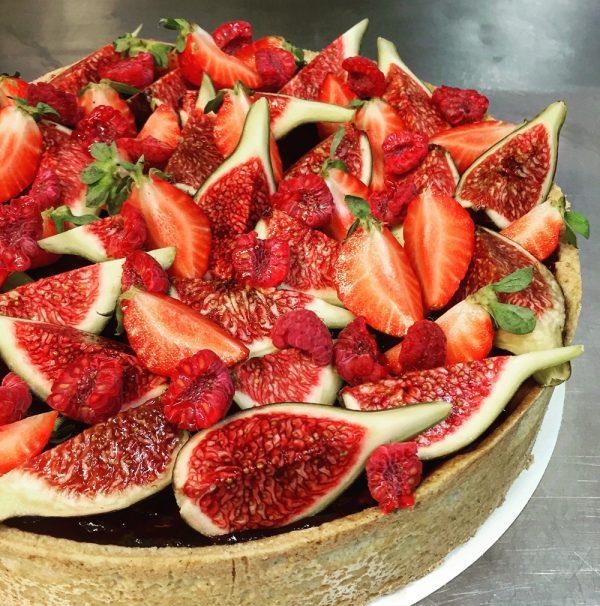 Red berries cheesecake